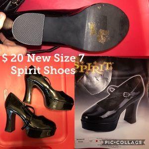 New Maryjane heels from Spirit Halloween. Size 7